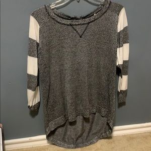 Striped sleeves sweater.